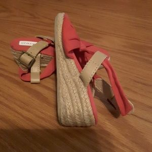 Crazy 8 red girl's wedge sandals